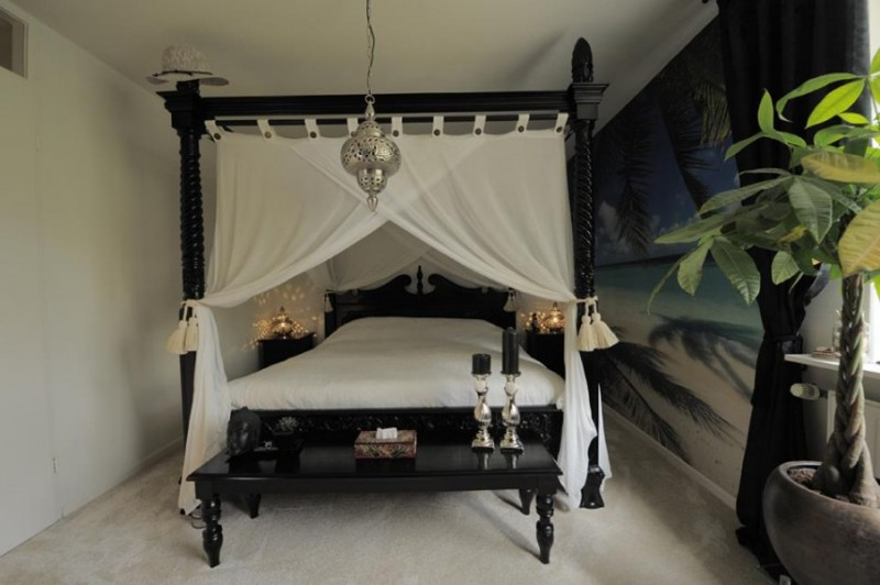 Massief teak hemelbed in kleur antique